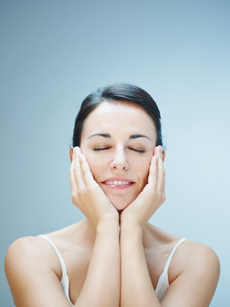How Daily Face Yoga Practice Benefits Your Face